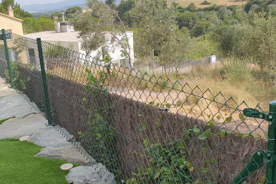 cerramiento de simple torsión sobre roca en Matadepera