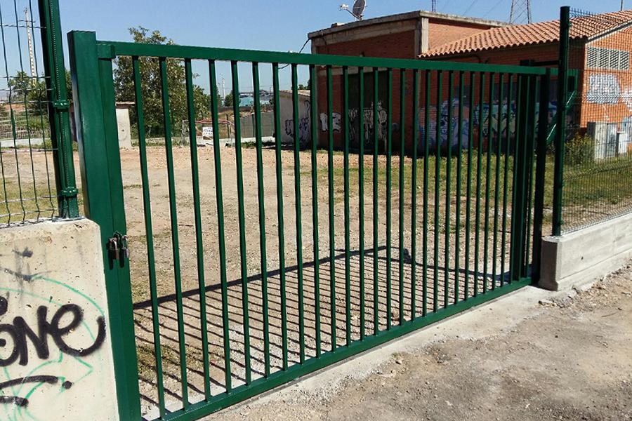 Puerta Barrotes Pro batiente en AMSA