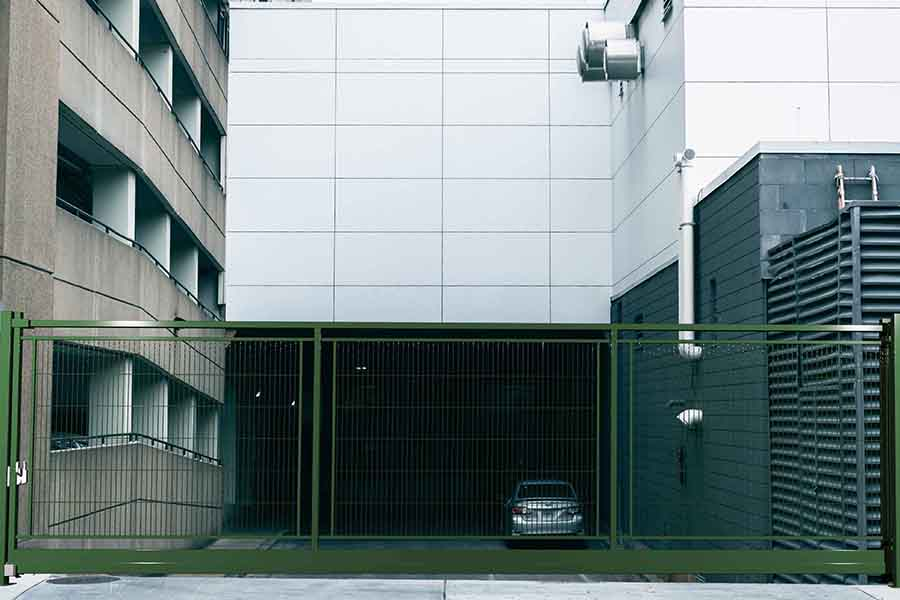 Puerta Autoportante Light Enmarcada Plus garaje