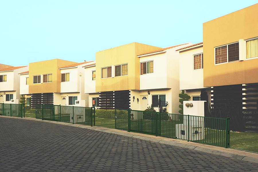 Puerta Corredera Pro Barrotes en residencial