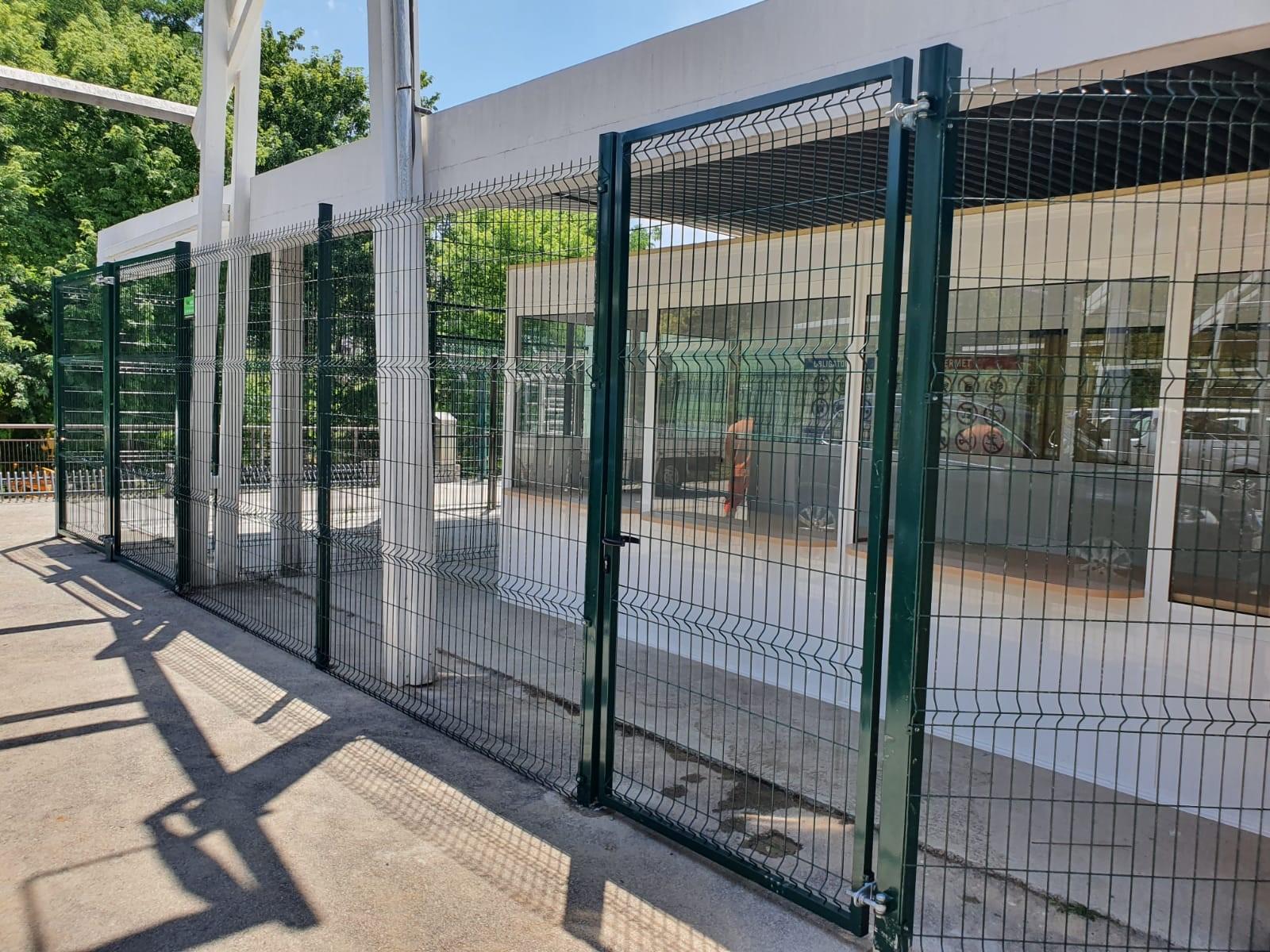 Nueva normalidad Puerta y valla Hércules piscina Terrassa covid19